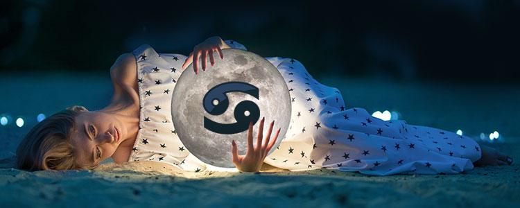 Луна в Раке у женщин